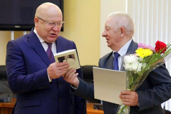Заслуженных ветеранов Нижегородской области наградили в Кремле