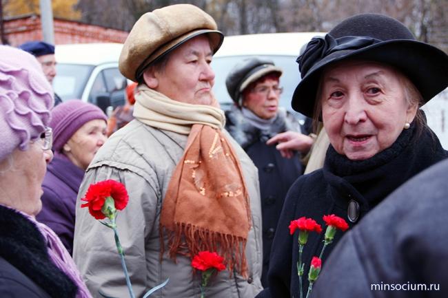 Траурный митинг памяти жертв политических репрессий состоялся на Бугровском кладбище